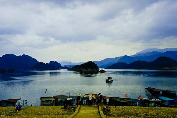 Du lịch Thung Nai, Thác Bờ