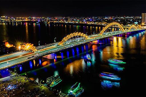Chiêm ngưỡng vẻ đẹp của Cầu Rồng khi đi du lịch Đà Nẵng