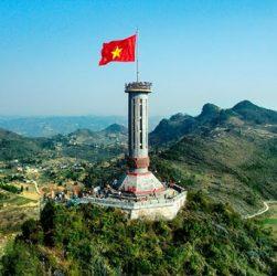 Du lịch Hà Giang - Cột cờ Lũng Cú