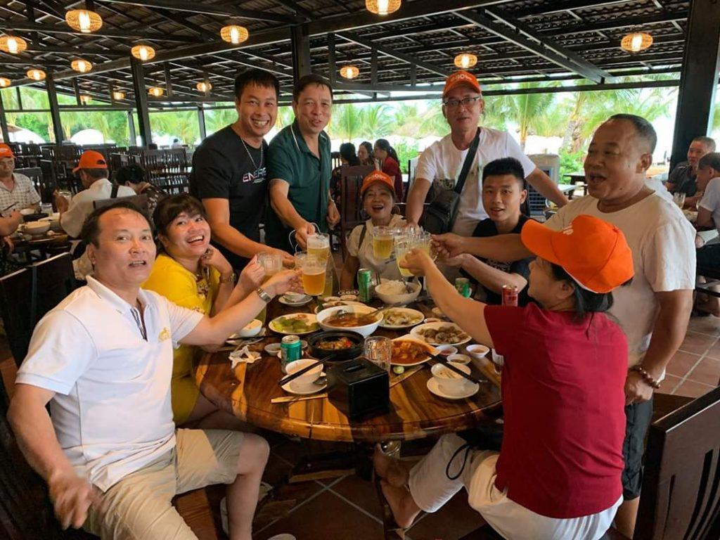 Thưởng thức hải sản khi đi du lịch Phú Quốc