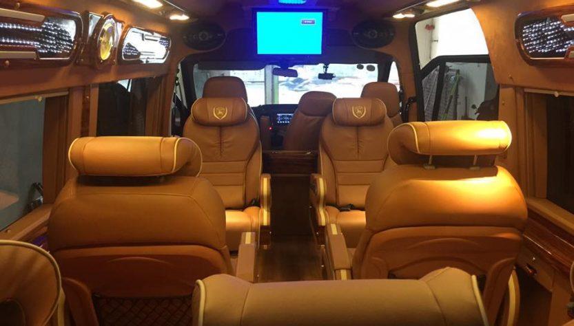 Xe VIP Limousine đi Hà Nội - tp Hòa Bình